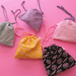 Color Pouch